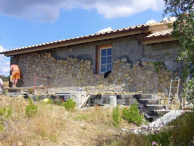 Realizzazione di rivestimento in pietra e sistemazioni - Casali di campagna ...