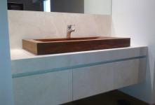 Lavabo in legno per bagno di un casale in campagna Grosseto impresa edile
