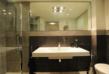 Ristrutturazione di bagno con marmo Grosseto. L'intervento proposto ha riguardato la realizzazione di una abitazione monofamiliare nel comune di Grosseto di cui sono proprietario insieme a mia moglie.