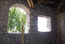 Appartamento corredato di cantine e terreni per circa 18 ettari
